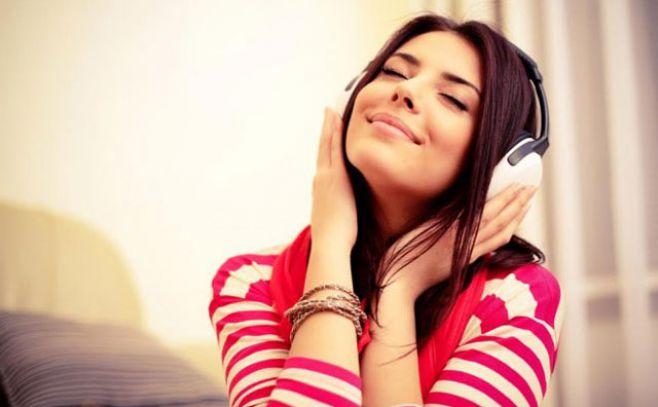 Estudio asegura que escuchar música alegre alimenta la creatividad