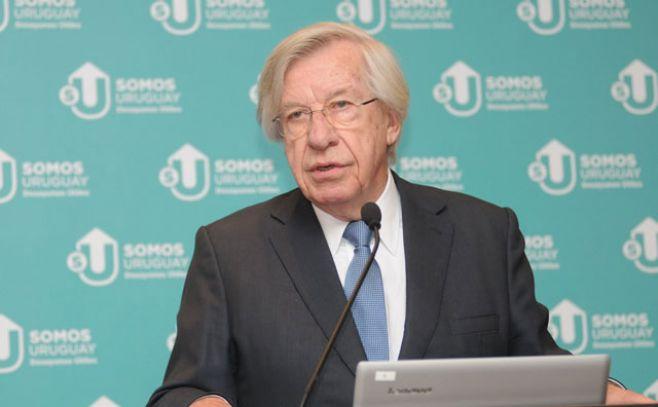 """Astori: Uruguay vive """"el período más largo de crecimiento desde que se llevan registros"""""""