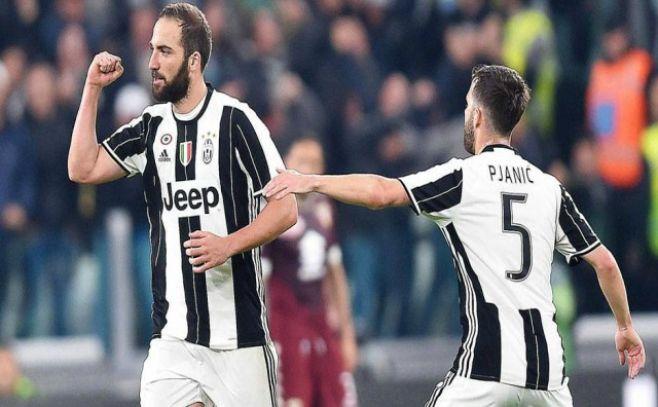 Juventus supera al Chievo con goles de Higuaín y Dybala
