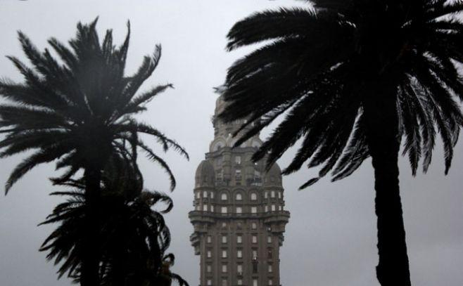 Advertencia naranja para 18 departamentos del país por lluvias y tormentas