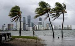 Enorme apagón en Miami por huracán