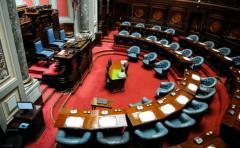 Parlamento no tendría que aceptar renuncia de Sendic