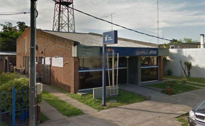 Local de Antel en Ombúes de Lavalle.. Google Street View