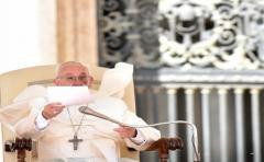 El papa anuncia que no habrá recursos ni concederá gracia a curas pederastas