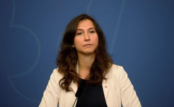 La ministra sueca que renunció por dar positivo en un control de alcoholemia
