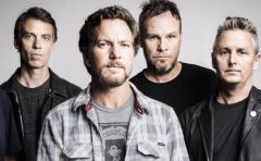 Pearl Jam y Red Hot Chili Peppers lideran el cartel del Lollapalooza 2018