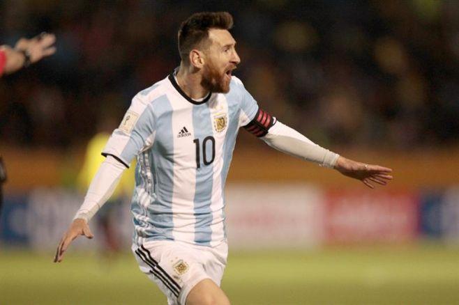 Y de la mano, de Leo Messi...