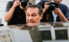 "Austria: Ultraderechista Strache espera ""quizás"" un resultado récord"