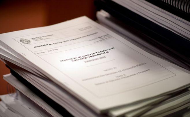 Uruguayos recolectan firmas para derogar artículo sobre gastos del Estado