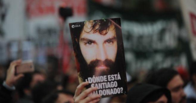 Investigan si cuerpo hallado es el del desaparecido Santiago Maldonado