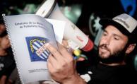 Protesta de los agremiados de la Mutual de Futbolistas que desde diciembre piden la renuncia de la comisión directiva.