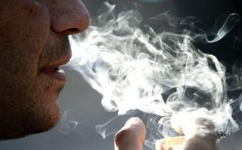 Prevalencia de fumadores en mayores de 15 años disminuyó de 35% a 21,6% desde 2006