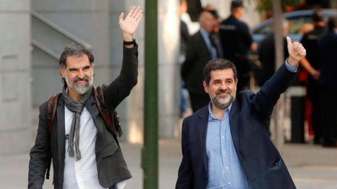 """Amnistía ve """"excesivos"""" los cargos contra líderes independentistas catalanes"""