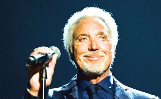 Tom Jones revela que sufrió acoso sexual al principio de su carrera