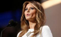 Melania Trump donará al Smithsonian el vestido del primer baile presidencial