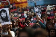 Cientos de personas marchan en Buenos Aires para pedir justicia por Maldonado