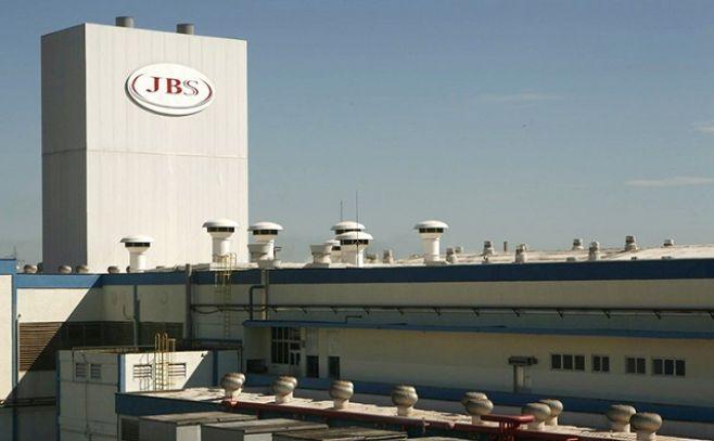 """JBS vuelve a operar 7 plantas, tras """"descongelamiento de activos"""""""
