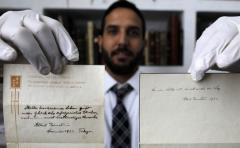 Subastan notas escritas por Einstein por más de un millón y medio de dólares