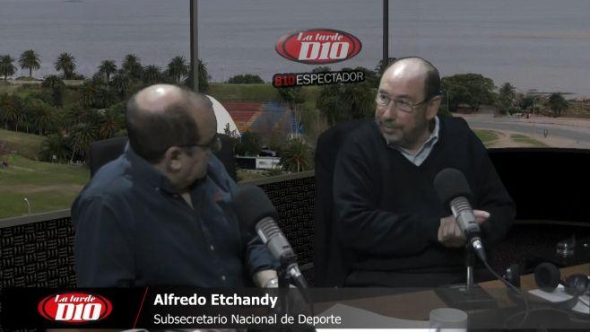 """Alfredo Etchandy: """"El fondo del conflicto en el fútbol está vinculado al funcionamiento de la AUF y los derechos de imagen"""""""