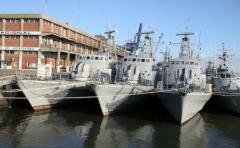 Armada rescata 10 tripulantes paraguayos tras naufragar embarcación