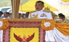 El rey tailandés Vajiralongkorn empieza a afianzarse en el trono