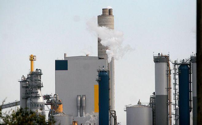 Planta de UPM ya instalada en nuestro país. . Javier Calvelo / adhocFotos