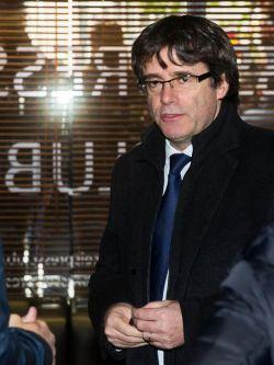 Puigdemont llega al club de la prensa en Bruselas para comparecer ante los medios.. Efe