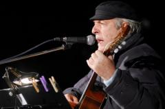 Vázquez lamenta la muerte del músico y poeta Daniel Viglietti