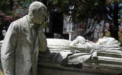 Así serán los servicios reforzados en cementerios por el Día de los Difuntos