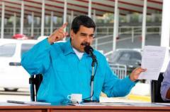 Maduro acude a reforma de deudas externas ante crisis económica en Venezuela