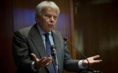 "Felipe González define como ""acto de cobardía"" huida de Puigdemont a Bélgica"