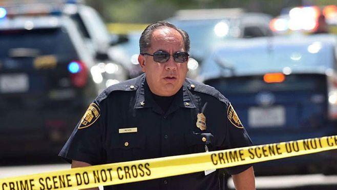 Al menos 27 muertos y docenas de heridos deja el tiroteo en iglesia de Texas