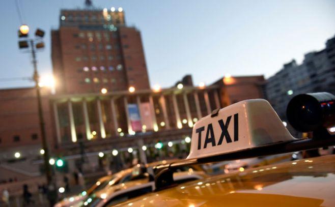 Sindicato del taxi realiza paro desde la hora 15 por trabajador baleado