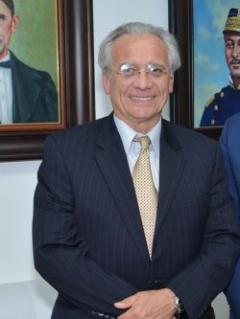 """Miguel Manzi: """"los amigos de este gobierno son todos corruptos"""""""