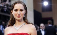 La actriz estadounidense israelí Natalie Portman gana el Premio Genesis