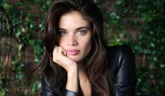 La modelo Sara Sampaio pide a sus compañeras que denuncien los abusos