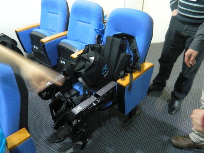 Científicos rusos presentaron un robot sustituto de la silla de ruedas. Sputnik