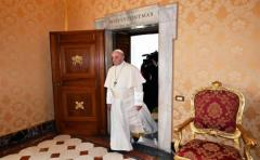 El papa anima a los obispos uruguayos a evangelizar y atender a los jóvenes