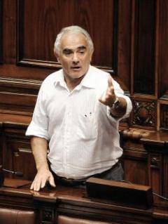 """Pozzi: discusión por """"cincuentones"""" es """"ardua"""" y """"contrarreloj"""""""