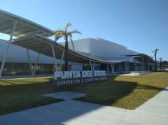 """""""Uruguay tiene que firmar acuerdos comerciales con las potencias consumidoras de productos competitivos"""""""