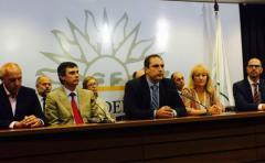 Oposición citó al Senado a ministros para explicar aumento de tarifas