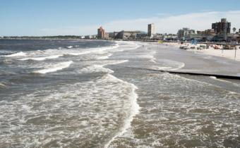 Sigue la búsqueda del joven que desapareció en la playa de Piriápolis