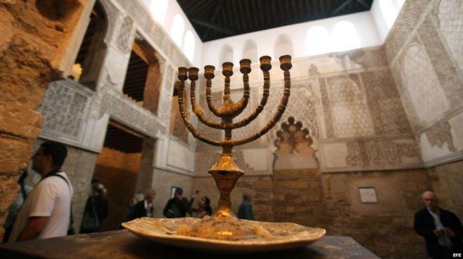 Comienzan las celebraciones de la festividad judía de Hanuká