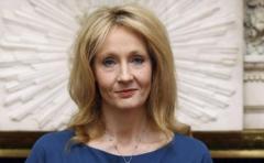 J.K. Rowling ingresa en la Orden de los Compañeros de Honor británica
