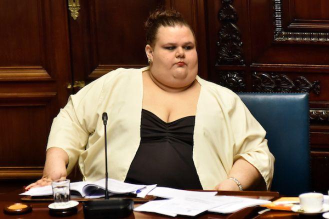 El Partido Comunista le pidió la renuncia al Senado a Michelle Suárez