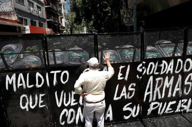 Reforma jubilatoria de Argentina queda aplazada tras día de violencia. EFE