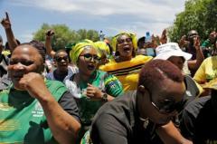 El partido gobernante en Sudáfrica elige a su nuevo líder