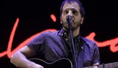 Martín Rosito abrió el concierto de Joaquín Sabina en el Estadio Centenario