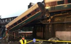 Tren siniestrado en Washington circulaba mucho más rápido de lo permitido