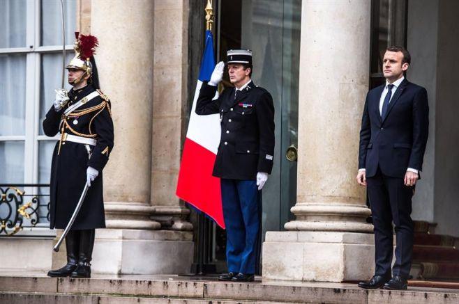 Francia moviliza a 97.000 agentes para garantizar la seguridad en Navidades